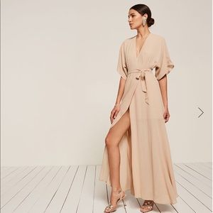 Reformation Winslow Dress in Champagne (BRAND NEW)